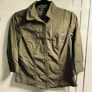 💜3/$30 Military Army Green Fitted Shirt Small